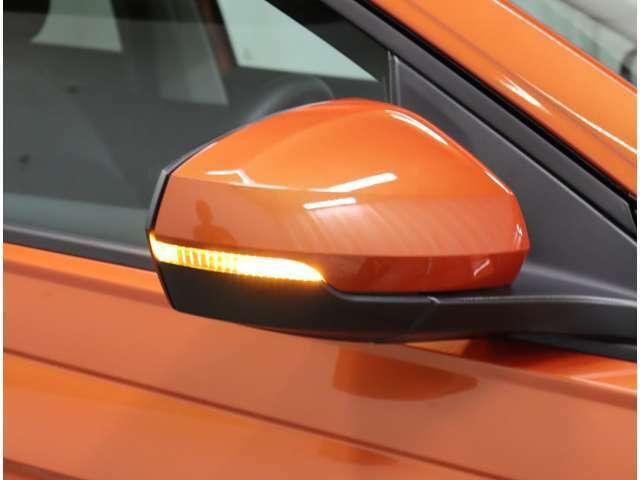 ウインカーミラーで更にスタイリッシュに!対向車からの視認性アップで安全性も高まります。
