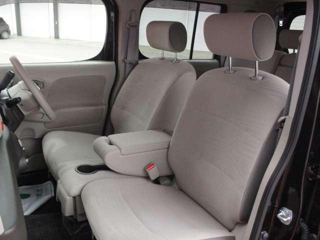 ゆとりのある車内空間になっております!