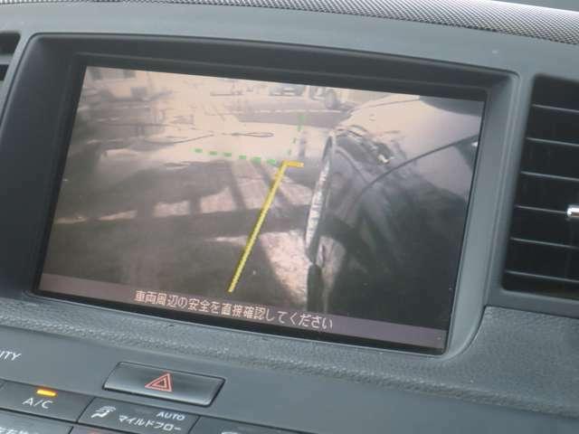 狭い道での運転もサイドカメラがあれば安心ですね!!