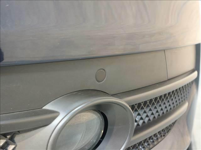 【クリアランスソナー】狭い駐車場でも安心して切り返しができます。