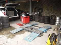 自社ガレージで満足のいく納車を約束します。キッズスペース完備