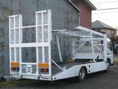積載車も完備でお車の納車、引取、レッカーなども対応致します
