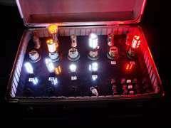 『ヒカリモノ』も専門業者と提携しております。点灯イメージがわかる様常時サンプル展示中!!