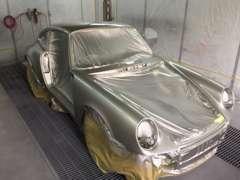 擦り傷から事故まで、自社鈑金塗装工場にて綺麗に塗装致します!