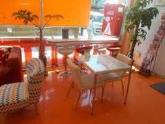サービス関連の待合室もあります!ゆっくりと寛ぐことができます。
