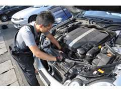 当店は【ただ安いだけの店】と価格で勝負しません。しっかりと整備され、安心で価値のあるお車のみを適正価格で販売致します。