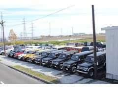 当店はTOYOTAランドクルーザーを中心に4X4車両を取扱いしております。常時60台以上在庫!