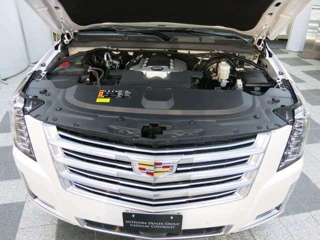 エンジンルームも同様にハイクォリティな仕上げを行っております。妥協を許さぬ商品管理が高品質車を生み出します。