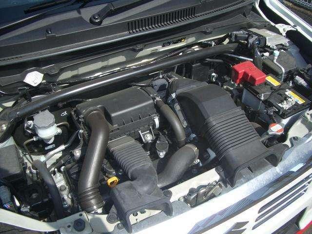 水冷直列3気筒DOHC12バルブICターボ・JC08モード燃費25.6km/リットル(カタログ参照)