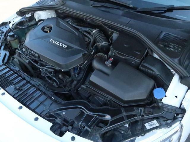 ◆T4エンジン(1.6L直列4気筒直噴ターボ)『1600ccの直列4気筒エンジンにターボを搭載、6速DCTとの組合せで高いパフォーマンスを実現!燃費性能にも優れたボルボを代表するエンジンです。』