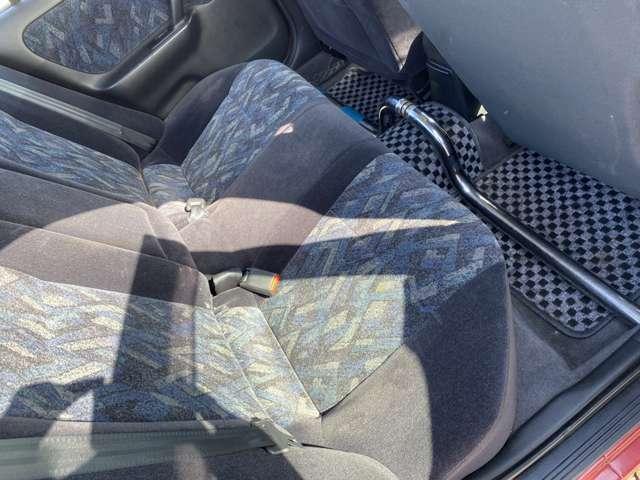 長距離の運転も疲れにくいゆったりとしたシートです!(^^♪