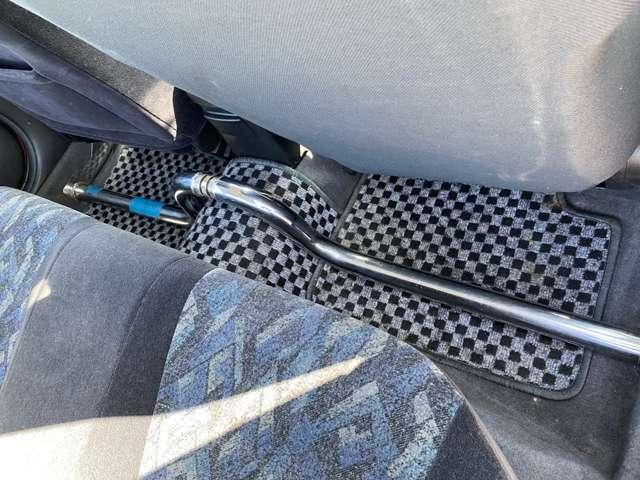 リアフロアにはロールバー付きで安定性良いです(^^♪