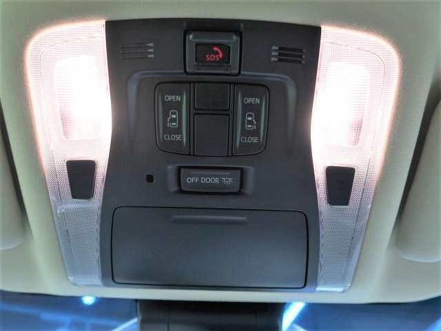 【両側パワースライドドア】運転席からスイッチ一つでドアの開閉が出来ます♪