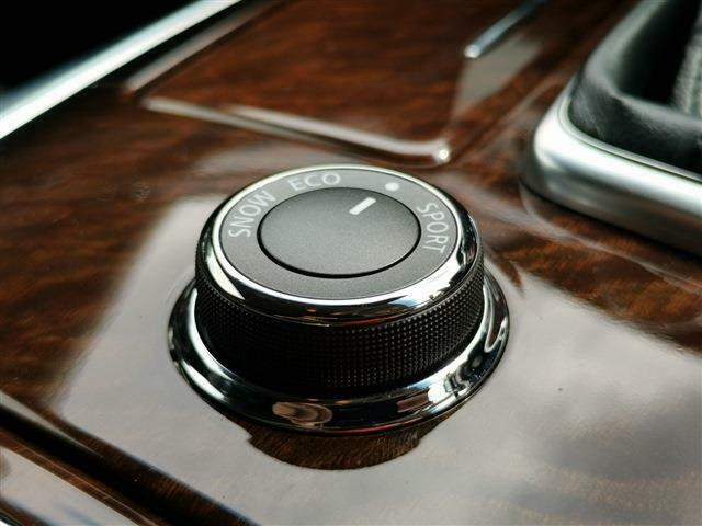ドライブモードセレクター機能が、エコな走りやスポーティ走りまで幅広く対応!