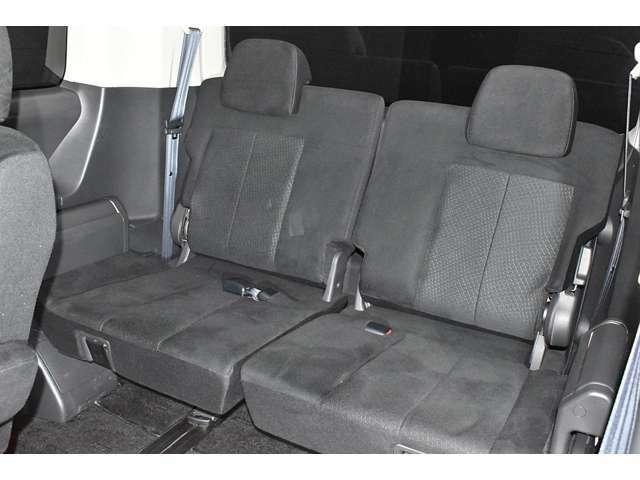 サードシートにもゆとりの空間を提供!みんなで楽しいドライブを!
