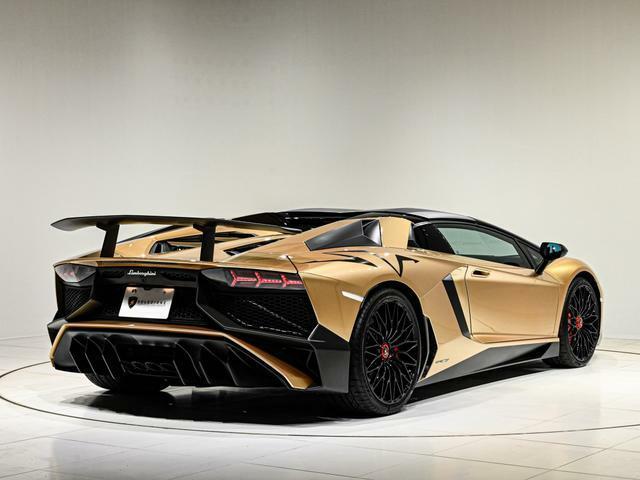 全世界で限定500台のみが生産された希少なお車です。