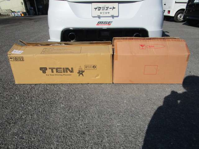 TEIN車高調サスに変更済みです。 純正サス・純正リヤコンビネーションランプも車載済み
