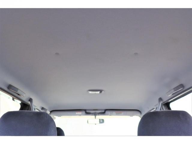天井も大きな破れもなく綺麗なお車です!