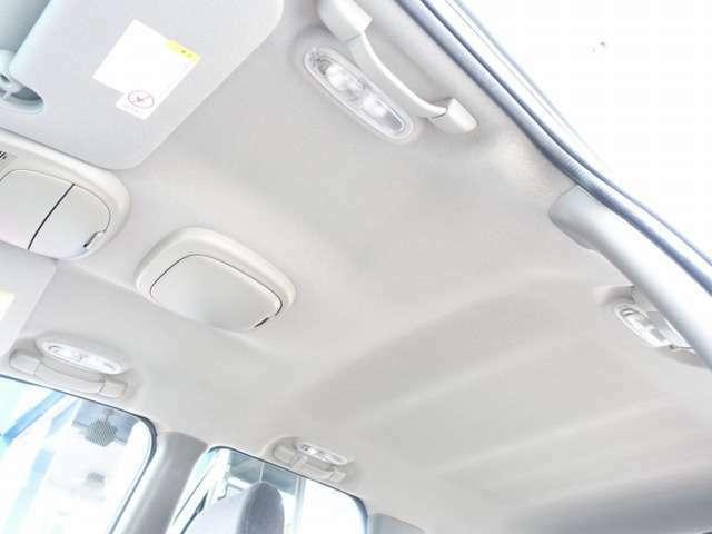 ストラーダ製HDDナビゲーション/22AW/HIDヘッドライト/HIDフォグ/ローダウン/クロームサイドステップ/LEDテール/MEIWAマフラー(証明書あり)/クラリオン製スピーカー変更