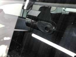 【ドライブレコーダー】今や必需品になっているドライブレコーダーを装備!万が一の時にも役立つ他、ドライブの記録を残すことができるので便利な装備です!