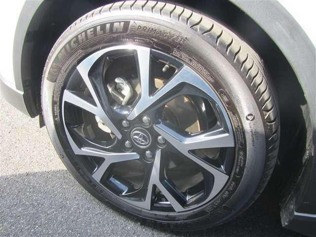 18インチアルミホイール タイヤサイズ:225/50R18
