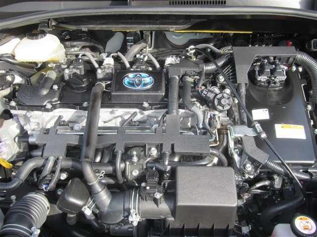 1800cc直列4気筒エンジン+モーター搭載 納車前に点検整備いたします