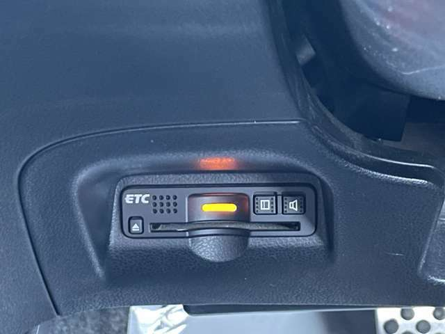 ETCはハンドル左下に装着されています。