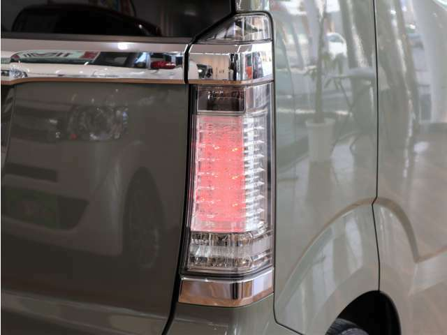 LEDテールランプ