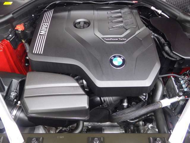 さらに、BMWカードにはエマージェンシーサービスも付帯いたします!様々なトラブルのアドバイス、出張修理やレッカーの手配、さらにお客様の交通手段やホテルの確保を24時間、365日対応させていただきます。