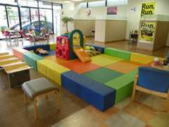KIDSコーナーも完備。お子様と遊びに来てください。
