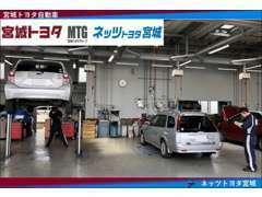 人気のハイブリッド車も専用のコンピュータ診断機で点検しております。納車後の点検修理もお任せください!☆☆☆