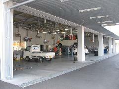 整備工場併設。アフターメンテナンスのこともご安心下さい。