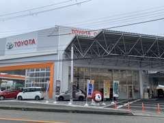 【国道24号線沿い!】カローラカラー、オレンジの大きな日産の看板が目印です!