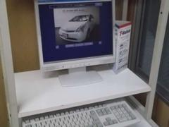 ご希望のお車もパソコンですぐにお探しいたします♪展示場にないお車もお気軽にご相談ください♪