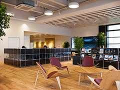 ショールームは今も変わらないデザインの北欧家具がございます。