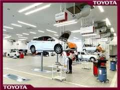 日常の点検整備や車検、万が一のトラブルにおける修理まで、何でも対応致します。