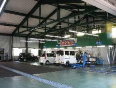サービス工場併設で、ご購入後も安心のアフターサービス。