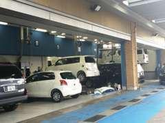 安心・安全のサポート体制。運輸局の指定整備工場完備!