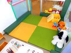 ショールーム内にはキッズルームも完備。お子さまとご一緒でも安心してゆっくりお過ごしいただけます。
