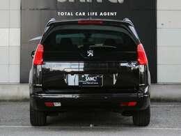 内外装とも目立った傷もなく非常にキレイなお車ですので気持ち良くお乗り頂けます。