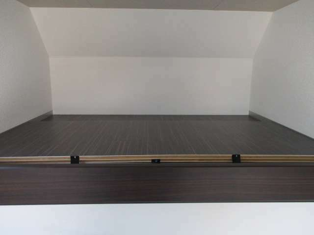 板をはめ込めば二階ベッドもできます。