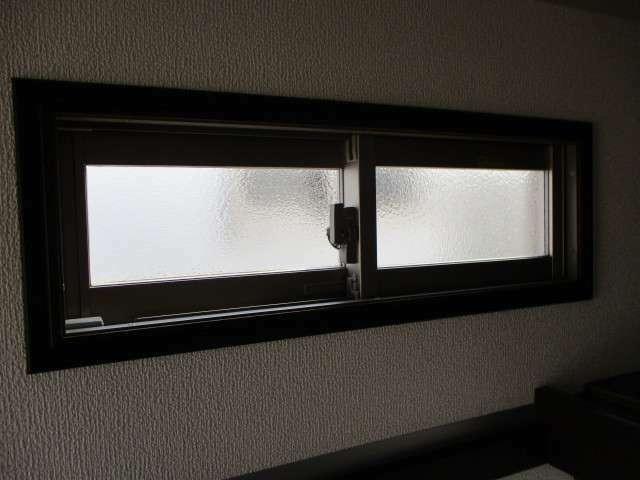 ハウスの両側に小窓付きで空気の入れ替えもスムーズに。