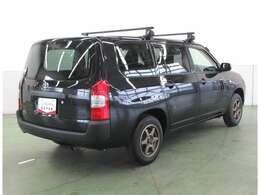 リヤサスペンションにはスポーツカーにも使われるスタビライザーを装着。コーナーでのロールを抑える働きをします。