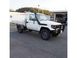 タイヤ、ホイールはトヨタ純正リングホイール、DUNLOPロードグリッパー 7.50-16を装着しております。」