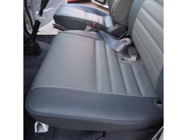 比較的助手席のヘタリが少ない車両が多いです。里帰りしたクルマなら同じようにシートがへたってくれたらいいなと思います。