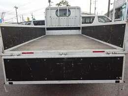 煽りと床は塗装します! 1.5t積載10尺平ボディ リヤWタイヤ 車体寸法 L:469 W:169  荷台寸法 L:311 W:161