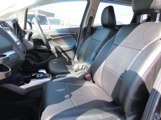 GT WORKSでは、ホンダS2000やN-BOXといったホンダ人気車をメインに展示しております。もちろんその他メーカーの車種もございますのでお気軽にお問い合わせ・ご来店下さい♪