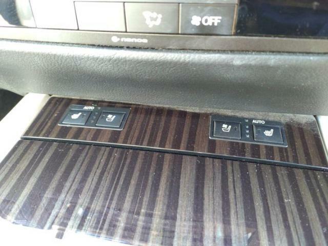 フロント左右シートエアコン付き!