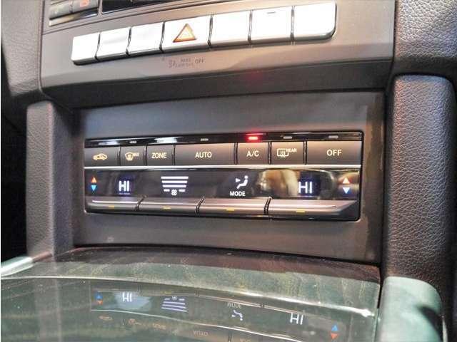 ●エアコンは左右独立温度調整が可能な2ゾーンフルオートエアコンを装備しております!!エアコンのガス圧チェックや動作確認済みで問題もなく、動作も良好です♪
