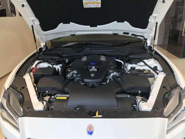 フェラーリ製3.0Lツインターボエンジン 430馬力